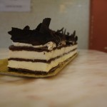 Selva Negra, bescuit de trufa, nata i cornets de xocolata